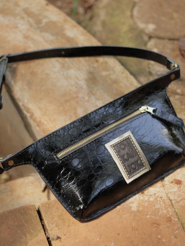 black-belt-leatherbag