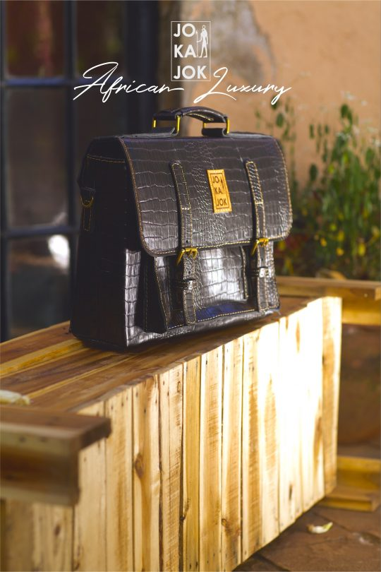 blackmatte-laptop-bag